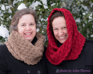 dunadh-cowl-by-Laura-Barker